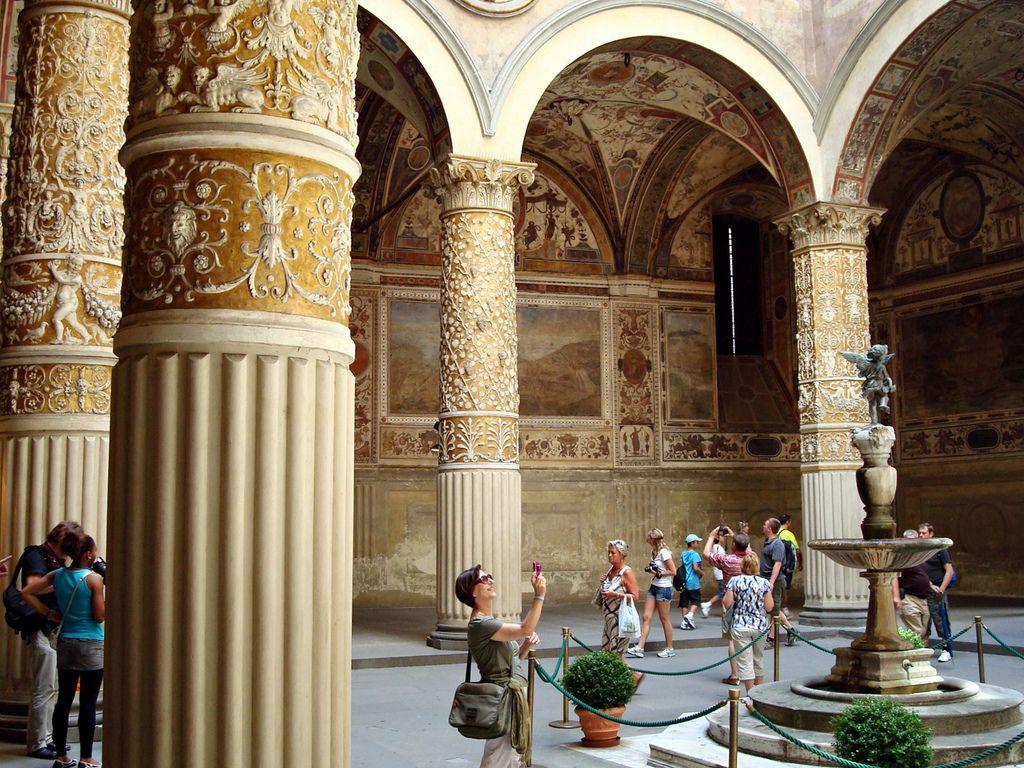 ヴェッキオ宮殿 中庭