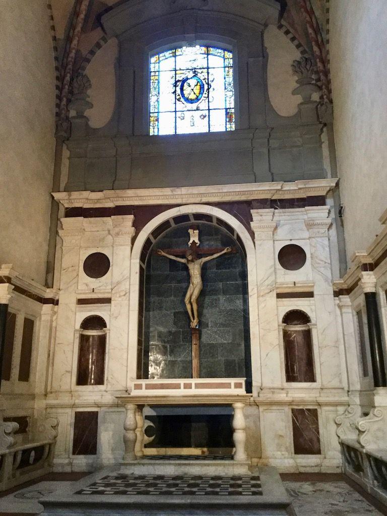 サンタ・マリア・ノヴェッラ教会 ゴンディ家礼拝堂 ブルネッレスキ十字架刑像
