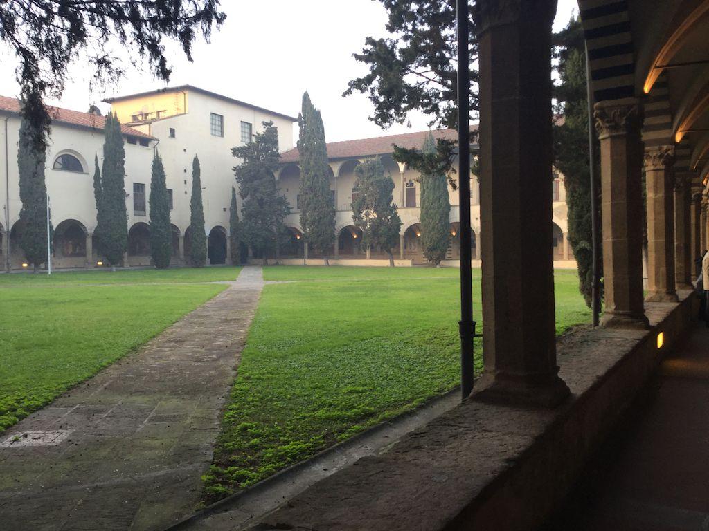 サンタ・マリア・ノヴェッラ教会 キオストロ・グランデ 中庭