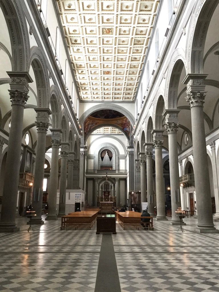 サン・ロレンツォ教会内部