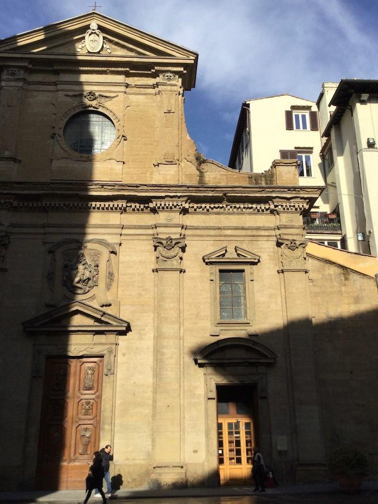 サンタ・トリニタ教会 ファサード