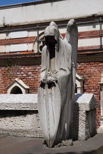 ミラノ モニュメンタル墓地 天使