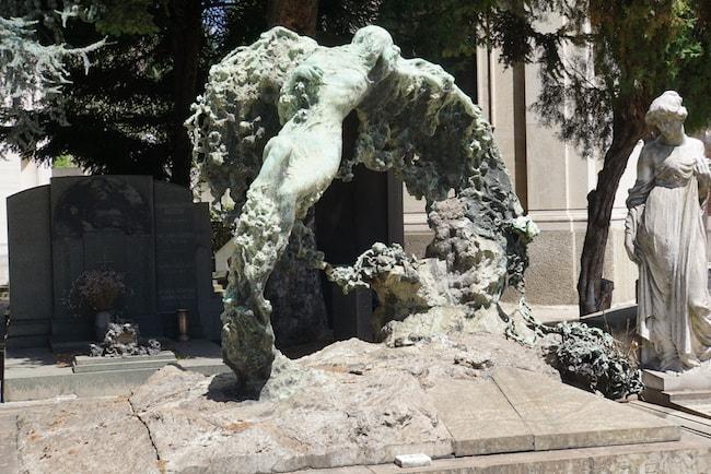 ミラノ 墓地 アーチ