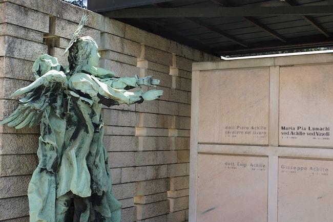 ミラノ 墓 ジャーン