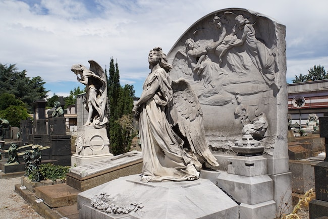 ミラノ 墓地 彫刻