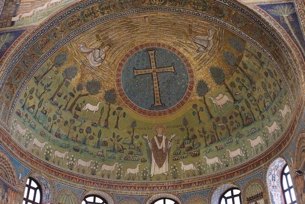 アポッリナーレ・イン・クラッセ教会