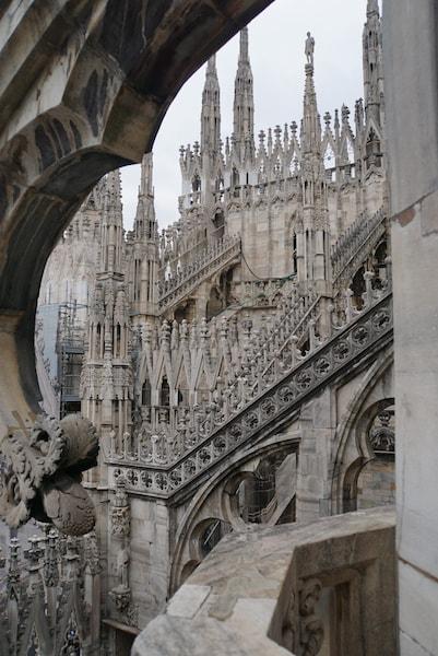 ミラノ大聖堂 つんつん