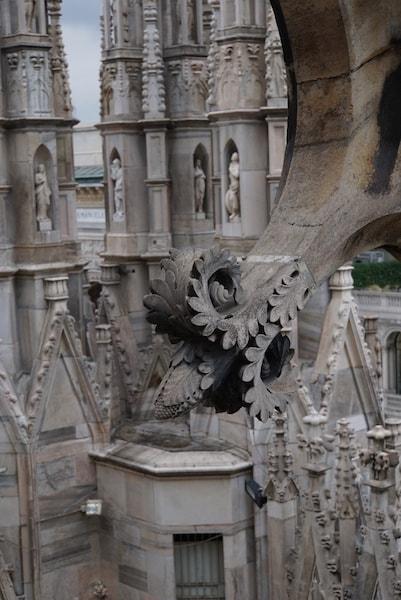 ミラノ大聖堂 フライングバットレス 装飾