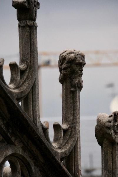 ミラ大聖堂 フライングバットレス 彫刻