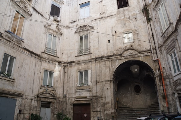 ナポリ 建物