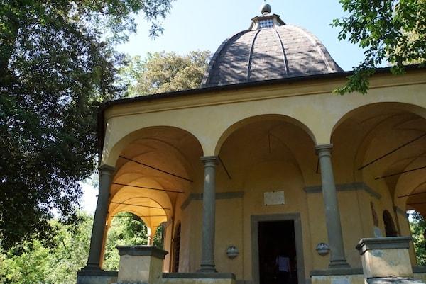 メディチ・デミドフ別荘 プラトリーノ 礼拝堂