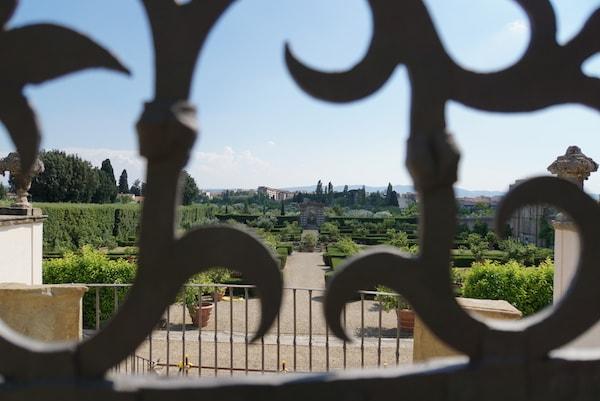 メディチ別荘 ラ・クイエーテ イタリア式庭園