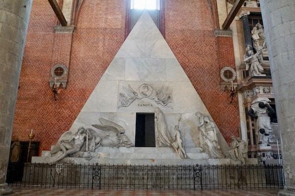 アントニオ・カノーヴァの霊廟