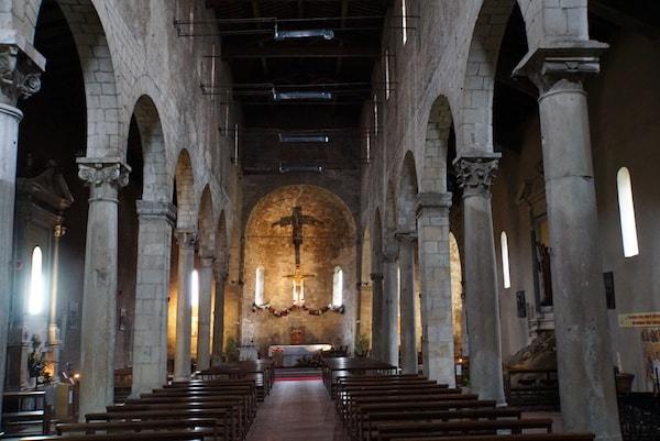 サン・ミケーレ・デリ・スカルツィ教会 内部