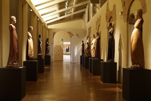ピサ サン・マッテオ美術館 現代美術風