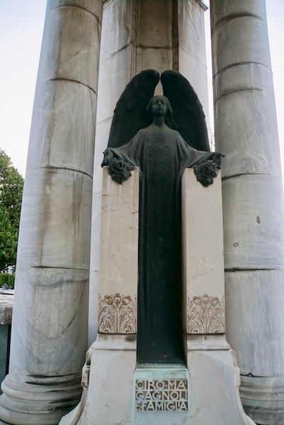 ボローニャ 墓地