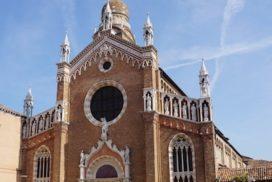 マドンナ・デッロルト 教会