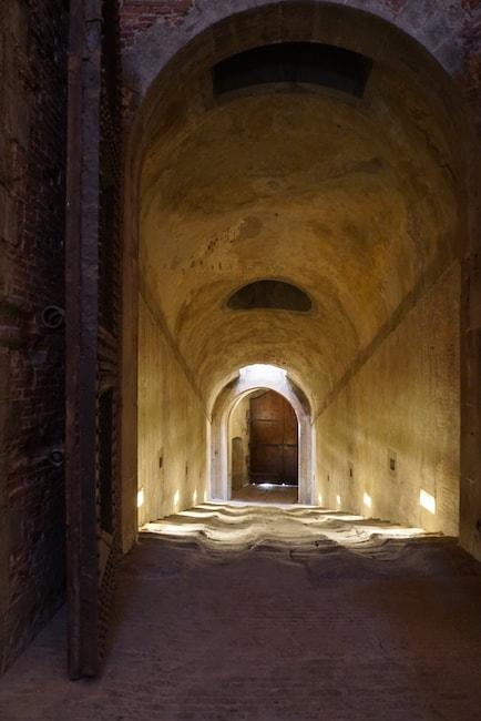 バッソ要塞 地下道 入り口