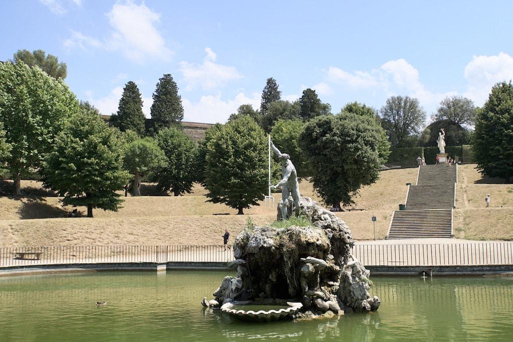 フォルコーネの池 ネプチューン