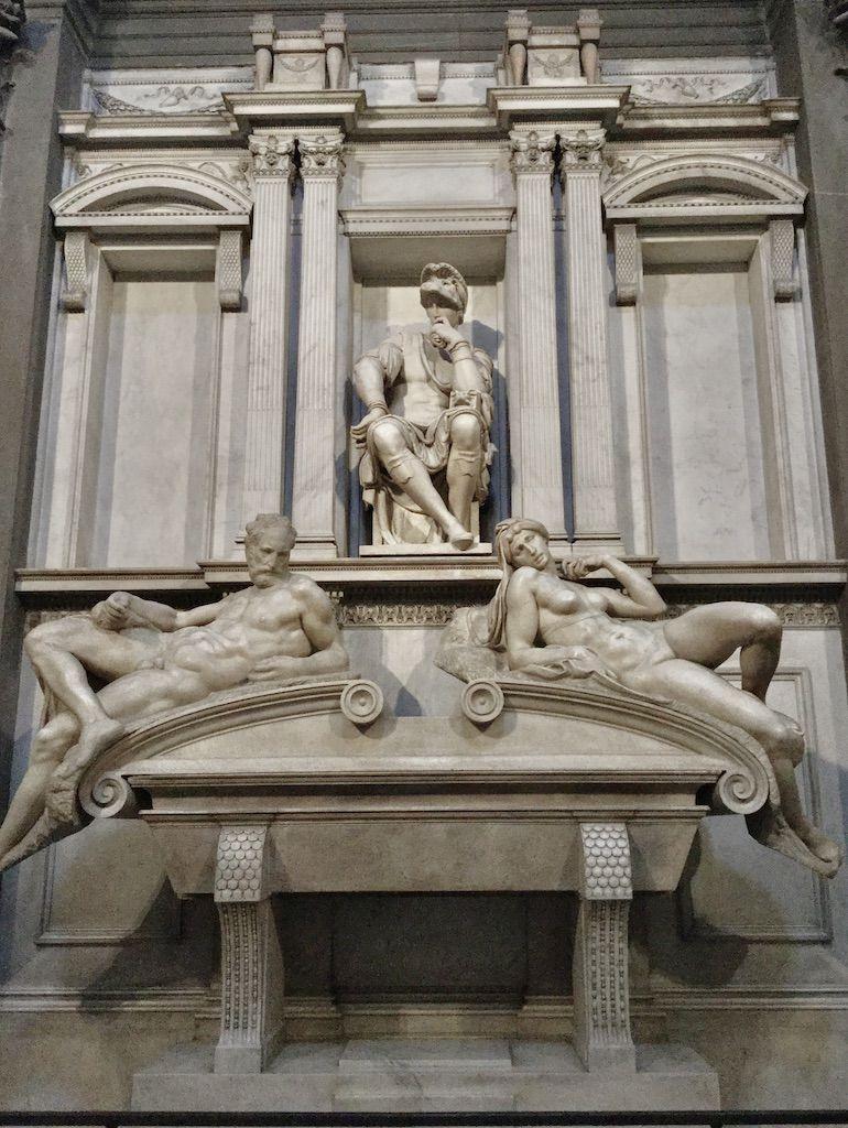 メディチ家礼拝堂 ウルビーノ公ロレンツォの霊廟 ミケランジェロ