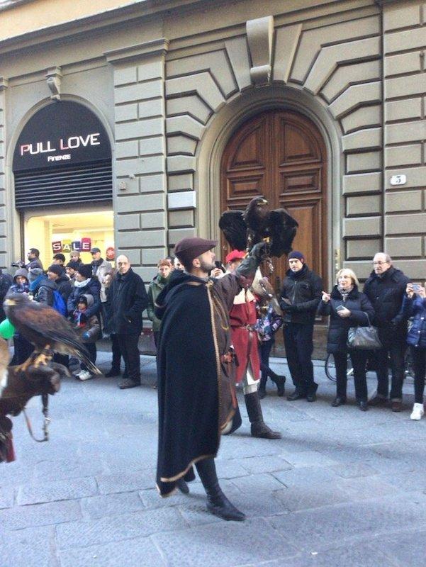 鷲 フィレンツェ 行列