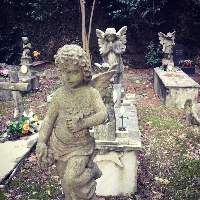 スタリェーノ墓地 子供の墓