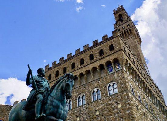 ヴェッキオ宮殿◆1.5時間ツアー